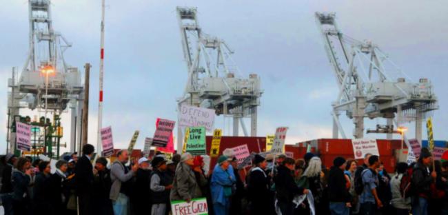 'Block the boat' Gaza solidarity action at Oakland port.
